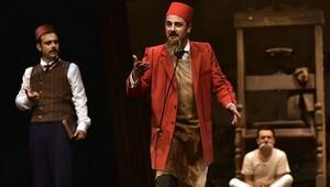 Tiyatro perdesi 'Bu da geçer ya hu' ile açılıyor