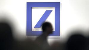 Alman hükümeti Deutsche Bank'a mesafeli