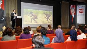 AGÜ'de 'Geleceği Bilim İle İnşaa Etmek' konferansı düzenlendi