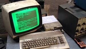 Commodore 64'ü 25 yıldır kullanarak araç tamir ediyor