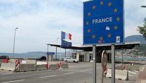 Fransa, İsviçre sınırındaki iki kapıyı kapatıyor