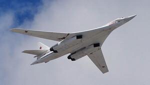 Fransa, Rus bombardıman uçaklarının yolunu kesti