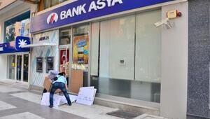 Manisada Bank Asya şubeleri boşaltılıyor