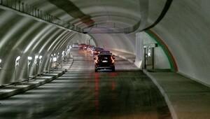 Avrasya Tünelinde geçiş ücreti 4 dolar artı KDV