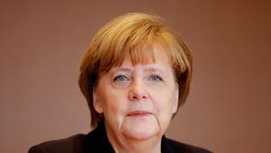 Merkel, mülteci sorunu için Afrika'ya gitti