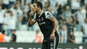 Beşiktaşa Adriano müjdesi