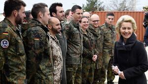 Alman Meclisi, askerlerinin İncirlik'teki görev süresini uzatıyor