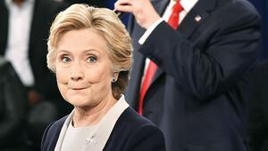 Clinton, Trump ile arayı açıyor