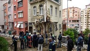 Beşiktaşda doğal gaz borusu patladı ev alev aldı