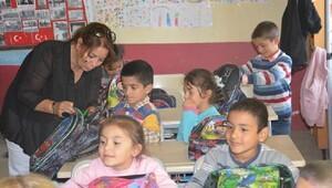 Köy okullarındaki öğrencilere destek