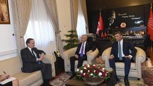 Kılıçdaroğlu, Fransa Büyükelçisi Friesla görüştü