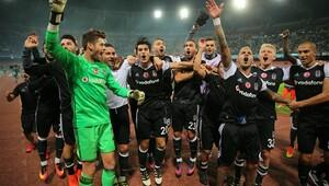 Beşiktaşın Napoli zaferi İtalyayı salladı