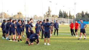 Zaimoğlu'ndan Adana Demirspor'a moral yemeği
