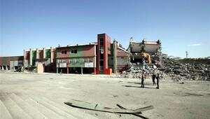 Diyarbakır Atatürk Stadının yıkımına başlandı