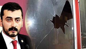 CHP'li Erdem'e taşlı sopalı saldırı