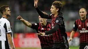 Milan sahasında Juventusu devirdi