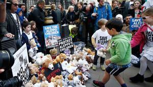 Halep'e saldırılar Londra ve Paris'te protesto edildi