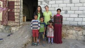 Midyatta 2 lise öğrencisi Suriyeli aile için yardım topladı