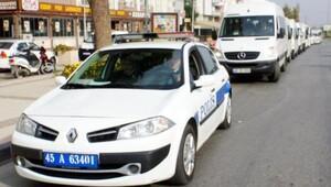 Alaşehirli minibüsçülerden plaka eylemi