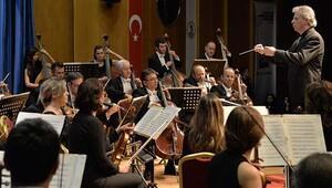 'Kampüste Senfonik Akşamlar Karadeniz yolunda