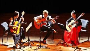 Dünyaca ünlü gitaristler Bergamada sahne aldı