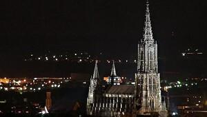 Almanyada çağrı: Kilise duvarına işemeyin