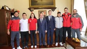 Edirnespor sporcularından Gürkan'a ziyaret