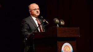 Vali Çakacak vatandaşın Cumhuriyet Bayramını mesajla kutladı