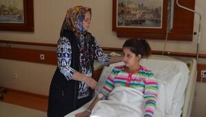 Burun ameliyatında kalbi duran genç kız, 25 dakika sonra hayata döndürüldü