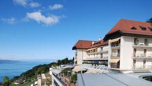 BM İsviçre'de dağ ve göl manzaralı otel kapattı