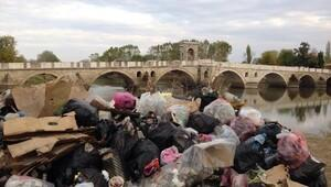 İspanyol öğretim görevlisi Edirnede plastiğe hayır kampanyası başlattı