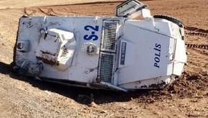 Suruçta polis aracı devrildi: 2 polis yaralı