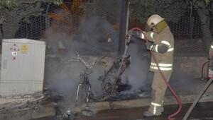2 motosiklet, 1 otomobil yandı
