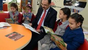 Uşak Belediyesinden ilkokula Z Kütüphane