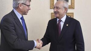 Kılıçdaroğlu, Norveç eski Başbakanı Kjell Magne Bondevik ile görüştü