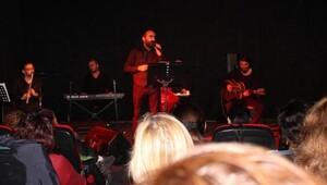Metin Gülerden şiir ve şarkı