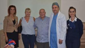 Kalbi duran İngiliz hasta İzmirde hayata döndü
