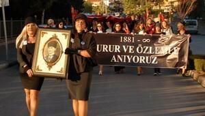 Kuşadasında Atatürke saygı yürüyüşü