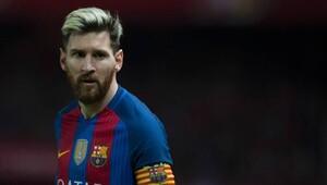 Dünya futbolu şokta Messi Barçadan ayrılıyor...