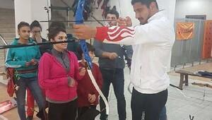 Olimpiyat şampiyonu Akgül yetiştiği kulübü ziyaret etti