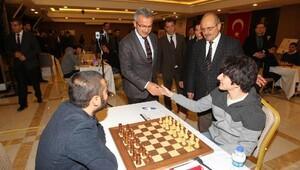 Satrancın ustaları hamlelerini Türkiye şampiyonu olmak yapıyor