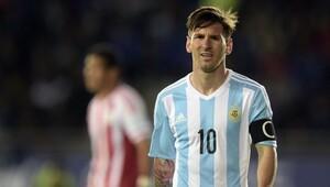 Messi skandalı önledi Maaşları ödedi...