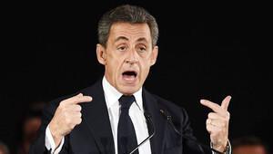 Sarkozy: Seçilirsem kimlik kontrollerini yeniden başlatacağım