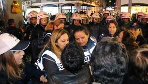 İzinsiz eylemde gözaltına alınan 12 kadın serbest bırakıldı