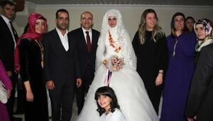 Başbakan Yardımcısı Şimşek, yeğeninin nikah şahitliğini yaptı