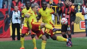 Eskişehirspor-Yeni Malatyaspor Fotoğrafları