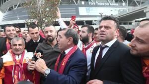 Dursun Özbek şov yaptı