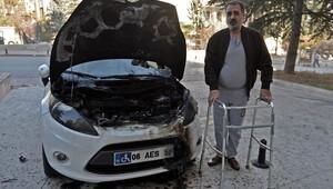 Ankarada Engelli vatandaşın otomobilini benzin döküp yakmışlar