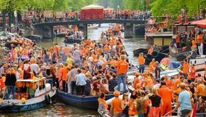Bir günlüğüne turuncuya bürünen şehir