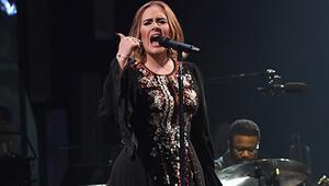 Adele bebek için müziğe ara verdi